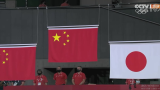 陈梦奥运女单夺金,孙颖莎奥运女单摘银,领奖时刻