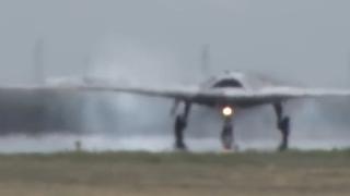 俄罗斯神秘隐形轰炸机,罕见细节曝光,号称堪比轰20远超美国B2