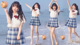 【喵月月】光脚和椰子在海里跳(瞎)舞(蹦)!No.1