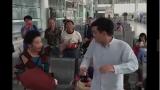 上海小伙火车站等车还要被骂,看彪悍东北大妈现场发飙。