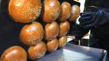自1969年以来销售的传统美式汉堡?拥有51年历史的自制汉堡-韩国街头小吃