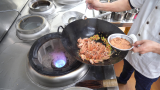 """厨师长教你:""""椒盐虾""""的家常做法,口感酥脆味道很赞,先收藏了"""
