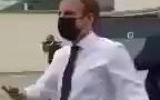 法国总统马克龙,刚刚在视察时,被上来握手的市民狠狠打了一耳光……