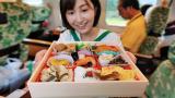 试吃人气第一的日本火车便当,会比高铁盒饭好吃吗?